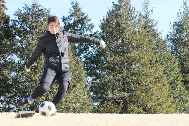 画像: 前田さんの蹴りがかっこよすぎて、惚れ惚れしちゃいます!