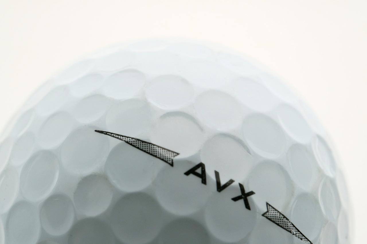 画像: ディンプルとは、ボール表面のくぼみのこと