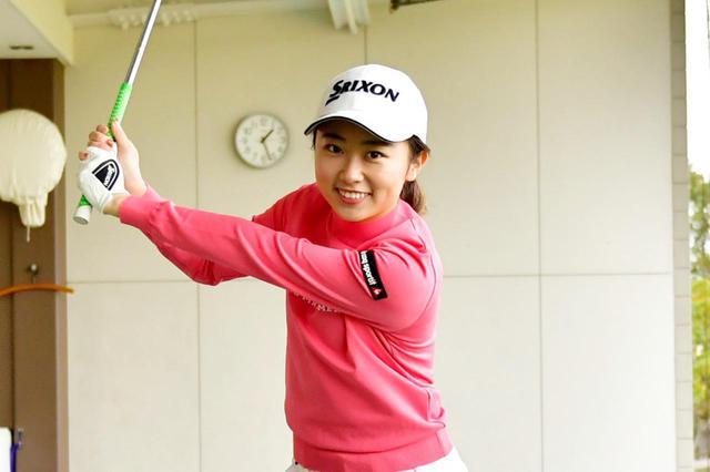 画像: 開幕戦からプロゴルファーとしてツアー参戦する安田祐香。坂田ジュニアゴルフ塾神戸校には小学3年生から高校3年生まで在籍