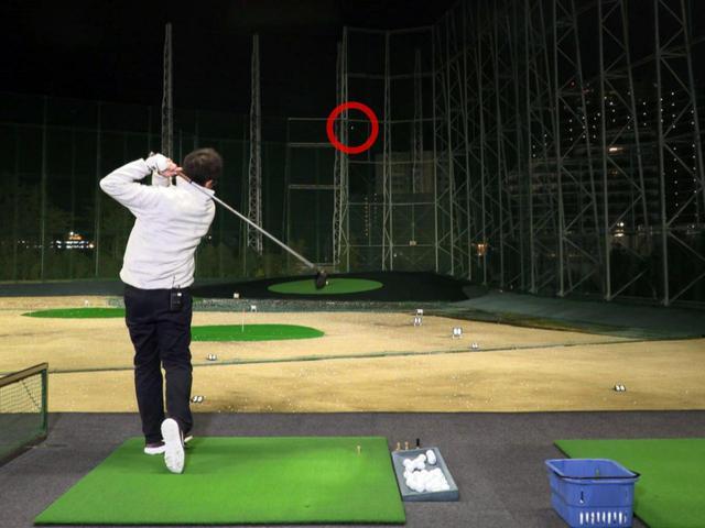 画像: マーベリックの球筋はストレートからややつかまる形で、スタンダードモデルらしく「とても扱いやすい」と小倉は評した