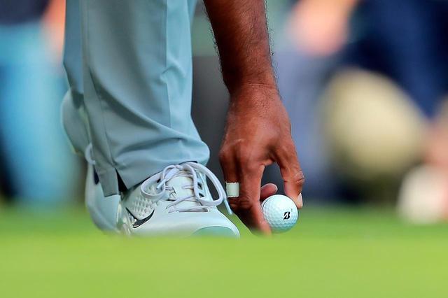 画像: タイガー・ウッズのエースボールでもあるTOUR B X(写真/Getty Images)
