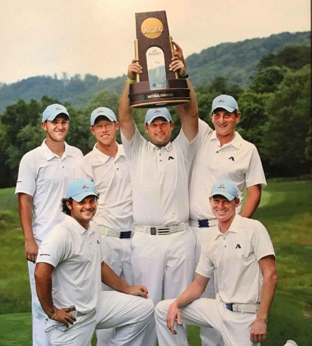 画像: オーガスタ州立大学時代、NCAA制覇に貢献したリード(写真手前左)