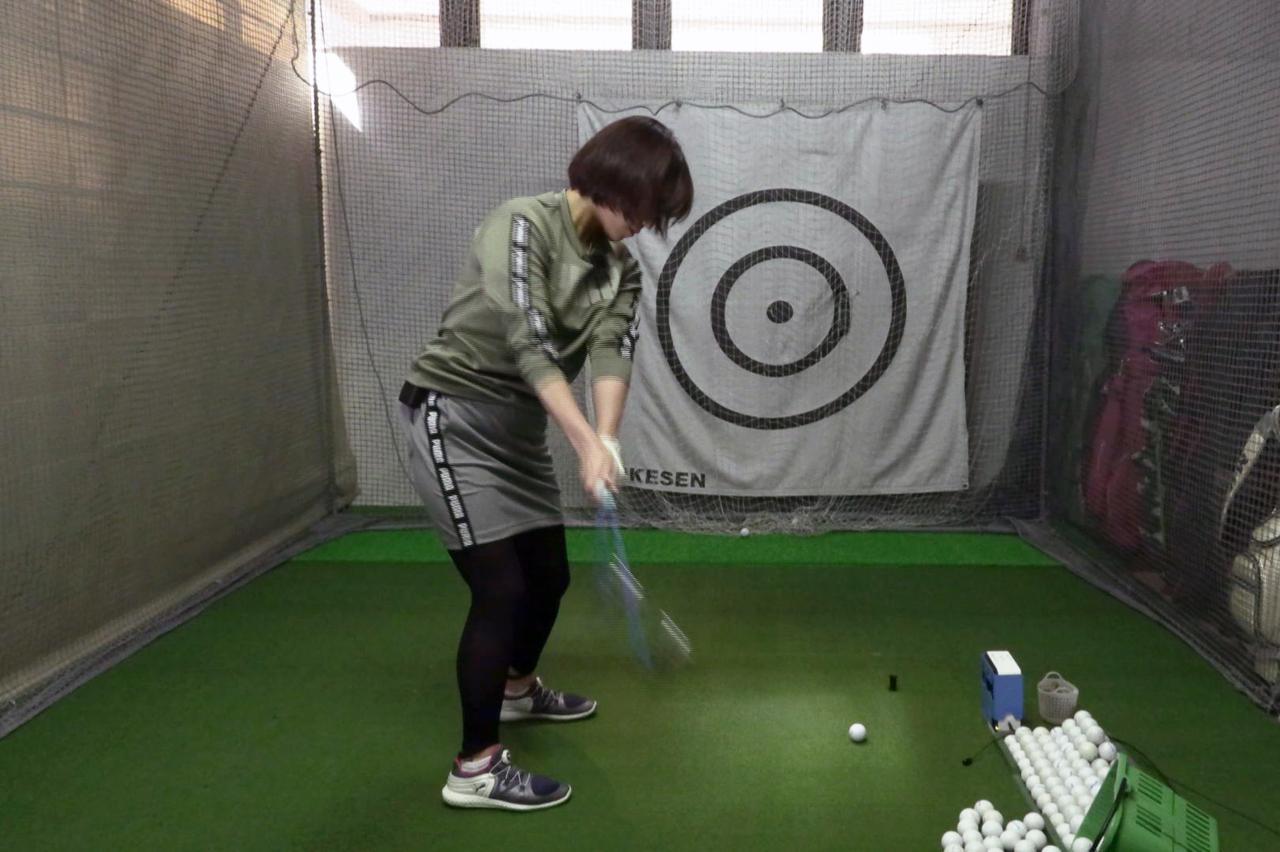 Images : 3番目の画像 - 秋山真凜の7番アイアン連続写真 - みんなのゴルフダイジェスト