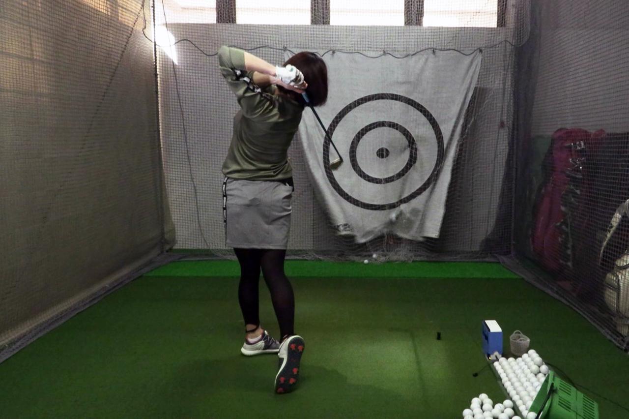 Images : 14番目の画像 - 秋山真凜の7番アイアン連続写真 - みんなのゴルフダイジェスト