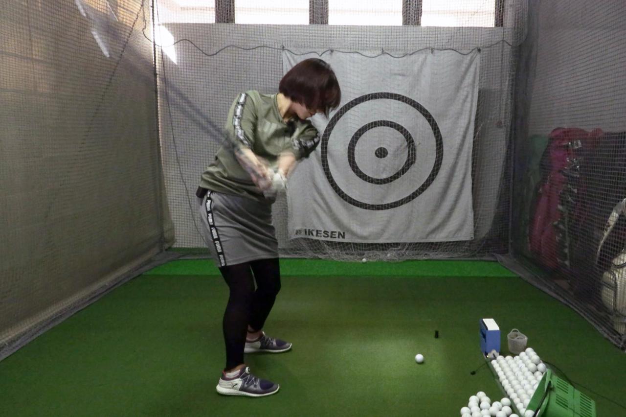Images : 4番目の画像 - 秋山真凜の7番アイアン連続写真 - みんなのゴルフダイジェスト