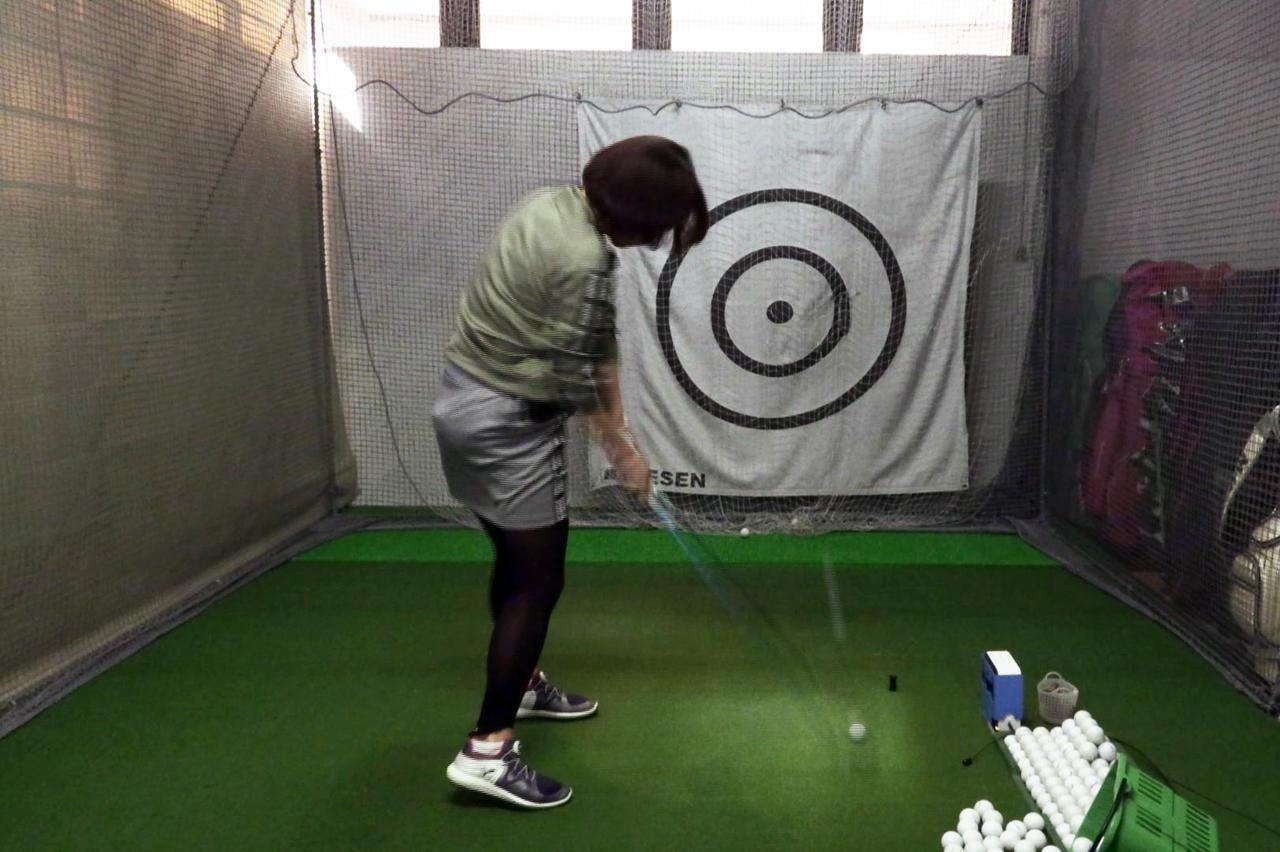 Images : 11番目の画像 - 秋山真凜の7番アイアン連続写真 - みんなのゴルフダイジェスト