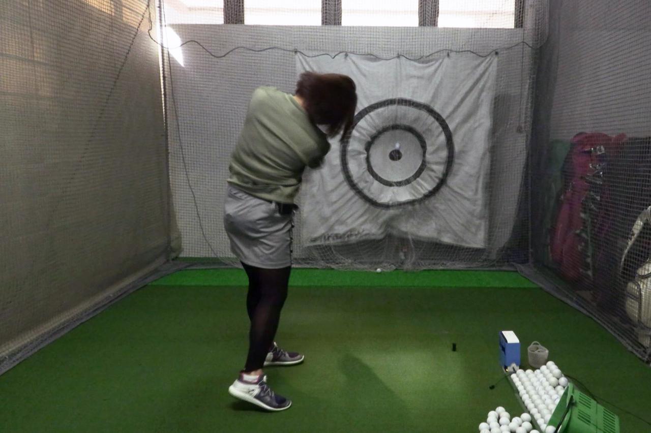 Images : 12番目の画像 - 秋山真凜の7番アイアン連続写真 - みんなのゴルフダイジェスト
