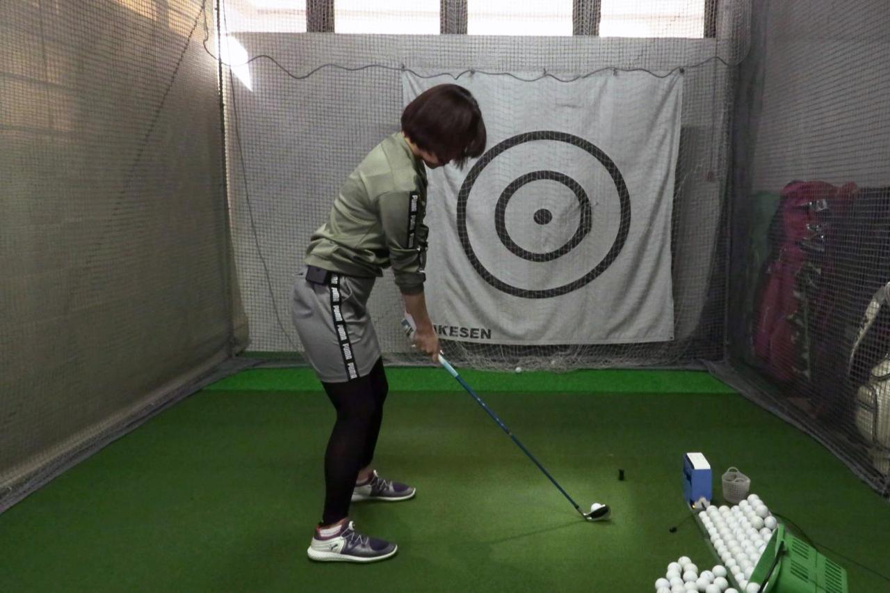 Images : 1番目の画像 - 秋山真凜の7番アイアン連続写真 - みんなのゴルフダイジェスト