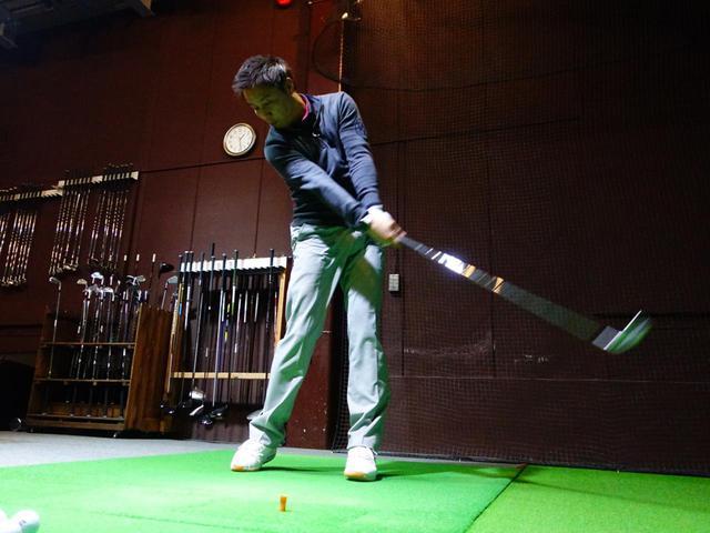 画像: プロゴルファー・堀口宜篤が試打し、データをフライトスコープで計測した