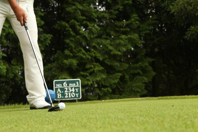 画像: ゴルフでも「今」に目を向けることでパフォーマンスが上がる(撮影/岩村一男)
