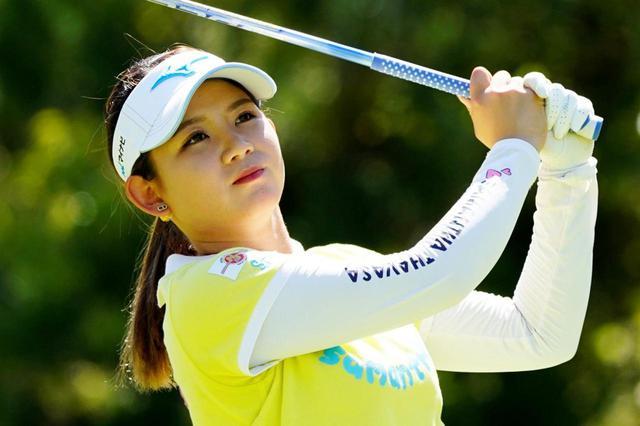 画像: 「元気なプレーを」と意気込みを語った吉本(写真は2019年の日本女子プロゴルフ選手権 撮影/岡沢裕行)