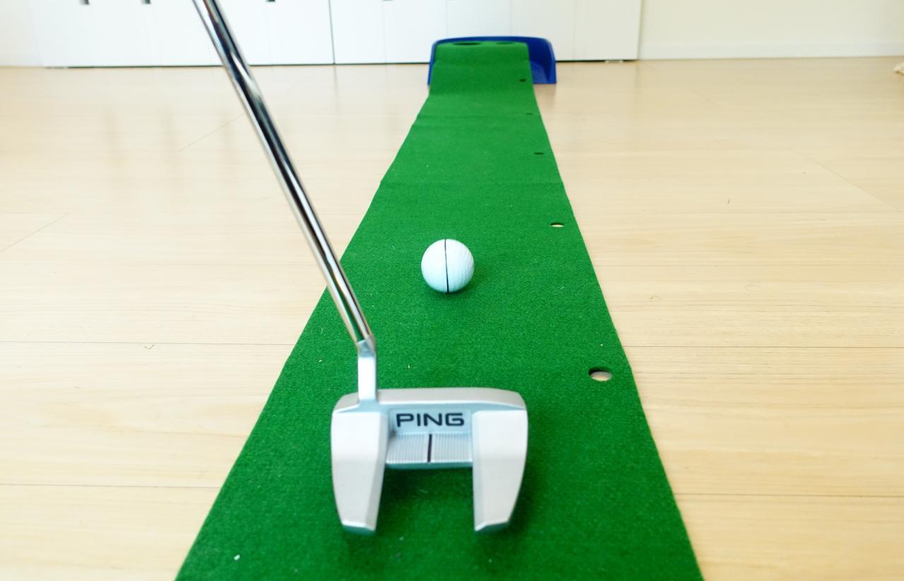 画像: ボールにぐるっと線を引いて練習する