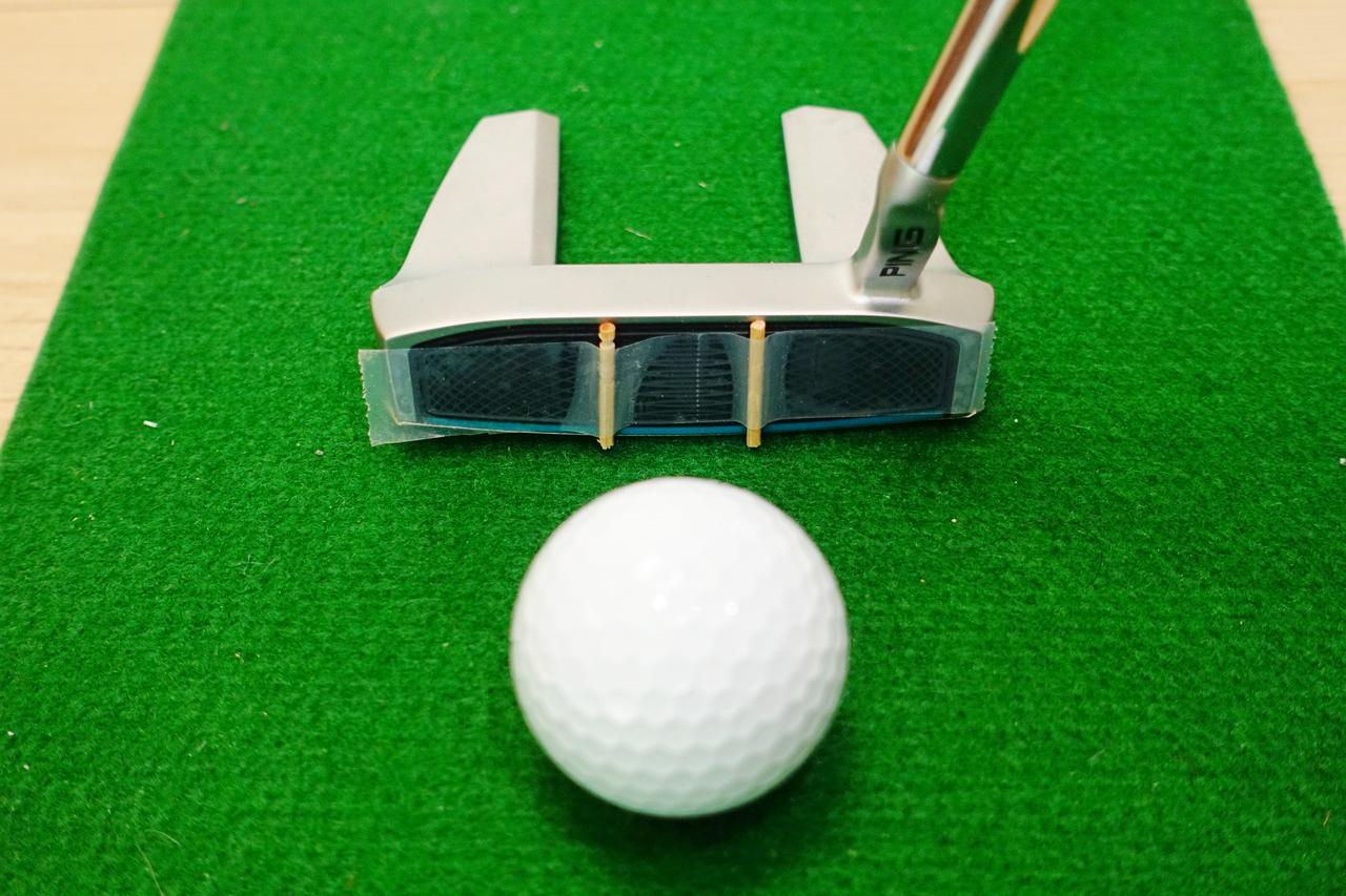 画像: つまようじを折って左右の打点のズレを感じ取る練習法