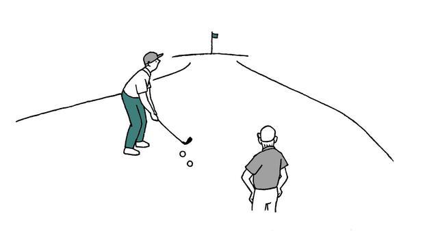 画像: 右後方の球を先に打つとクラブが当たりかねないので、左前方の球を先に打ってもらうことも、左前方の球をマーク してもらうことも可能。