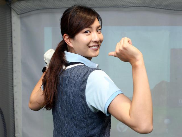 画像: 高島早百合プロが飛ばしのグリップの作り方を伝授。ポイントは……肩甲骨!?