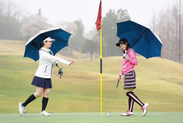 画像: 「お先です~」「え? 傘差したまま?」