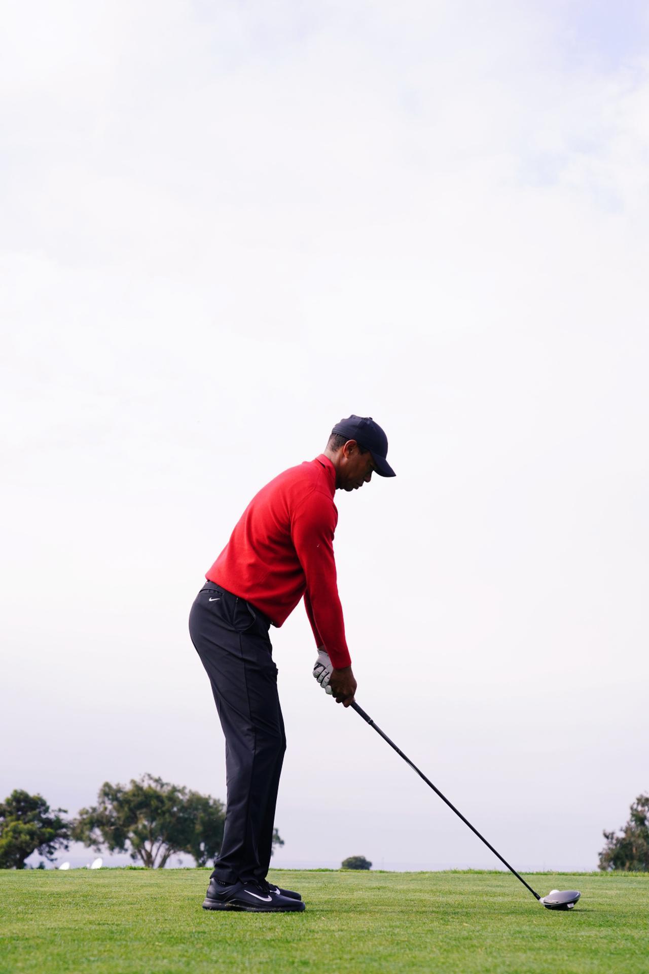 Images : 1番目の画像 - タイガー・ウッズのドライバー連続写真 - みんなのゴルフダイジェスト