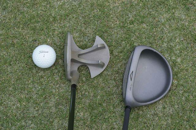 画像: 90年代中盤に登場したフレームデザインのドライバー『コーシン・ベスター』(左)。クラウンレスの『トップフライト・マグナ』(右)も今見ても斬新なデザイン