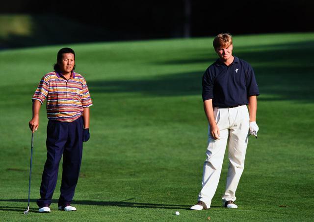 画像: 1995年のANAオープンでは、優勝したジャンボ尾崎(左)に次いで3打差の2位になった