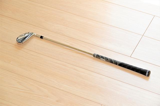 画像: 長さ22インチ(55センチ)で重量は通常の7番アイアンと同じ455gの短尺アイアン