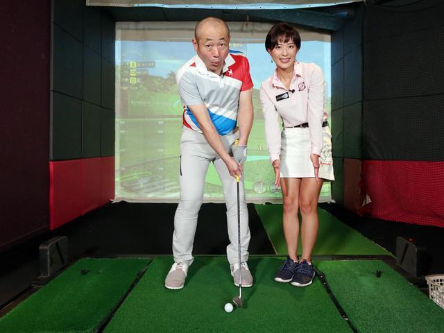 画像: 上げるアプローチでは、フォローは小さめ。打ったらヘッドが止まるくらいのイメージで良いと小澤は言う