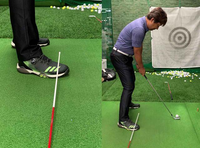 画像: まず右足の甲の上にスティックを置く。それをフィニッシュまで落とさないようにしつつ、ボールの先に置いたもう1本のスティックの向きへ打ち出していく練習法