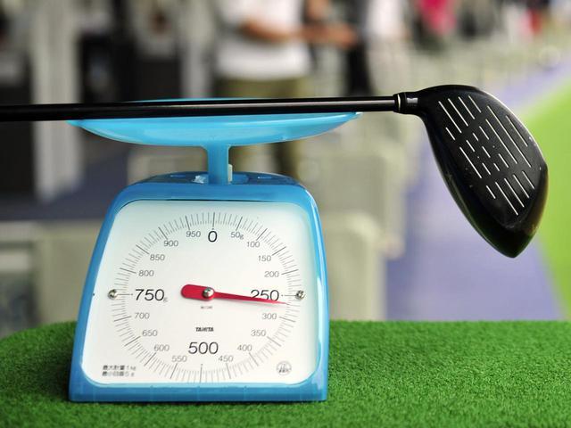 画像: 重量フローを意識し、すべてのクラブの振り心地をできるだけ近づけることが重要だという(写真はイメージ 撮影/有原裕晶)