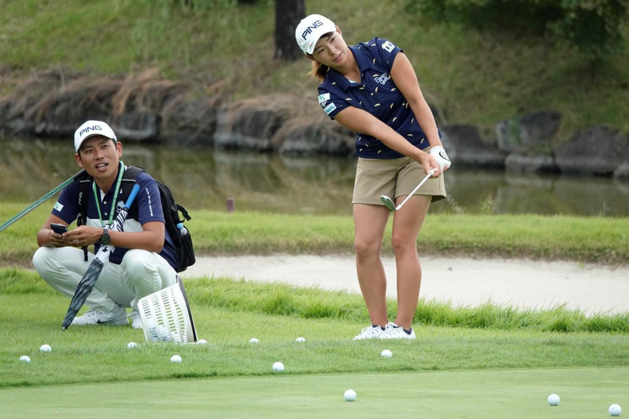 画像: しぶこのコーチ・青木翔は「ゴルフの楽しさ」を始めに教えようという(写真は2019年の日本女子オープン)
