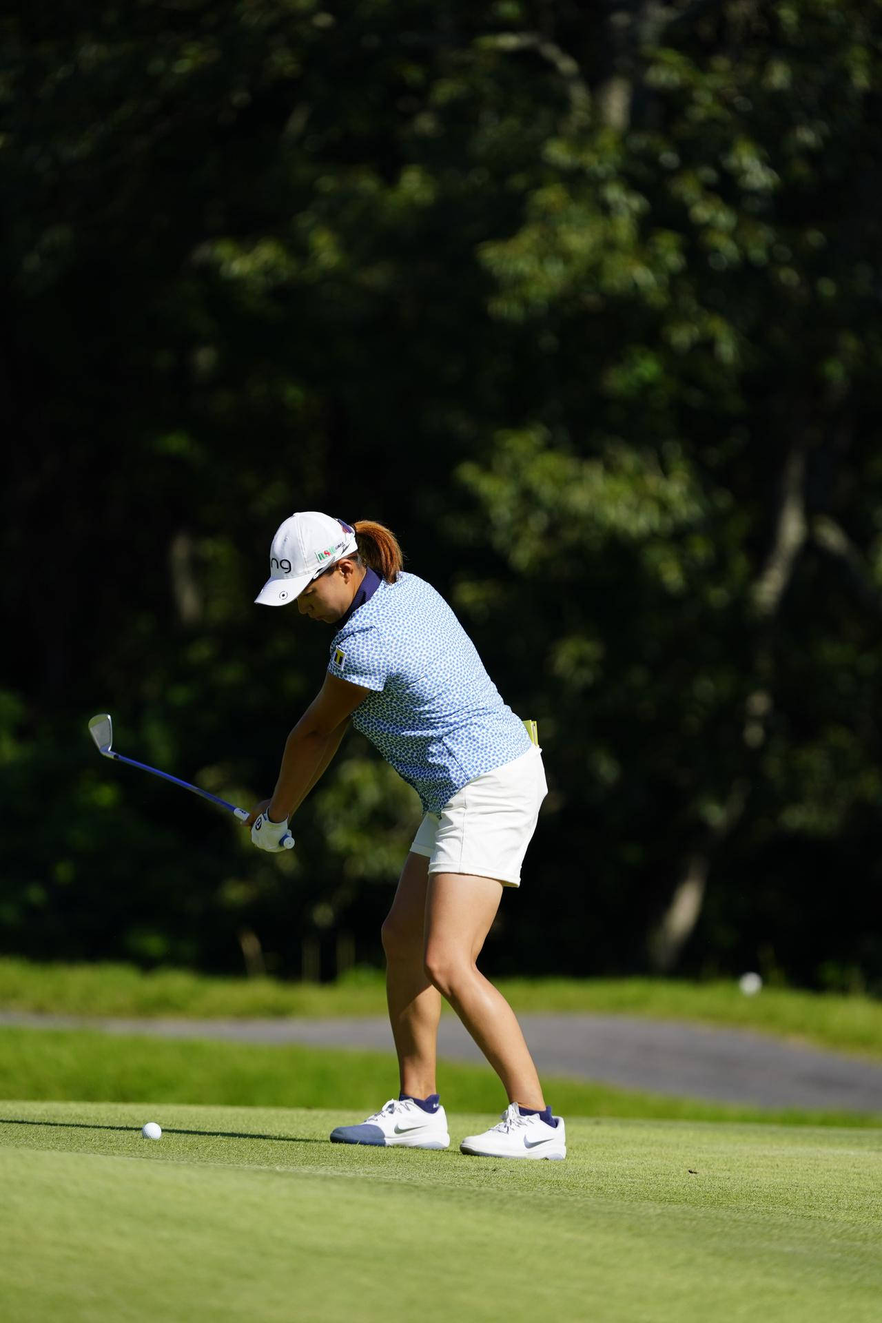 Images : 3番目の画像 - 渋野日向子 アイアン連続写真 - みんなのゴルフダイジェスト