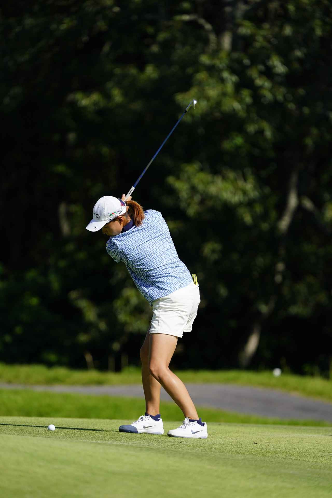 Images : 6番目の画像 - 渋野日向子 アイアン連続写真 - みんなのゴルフダイジェスト