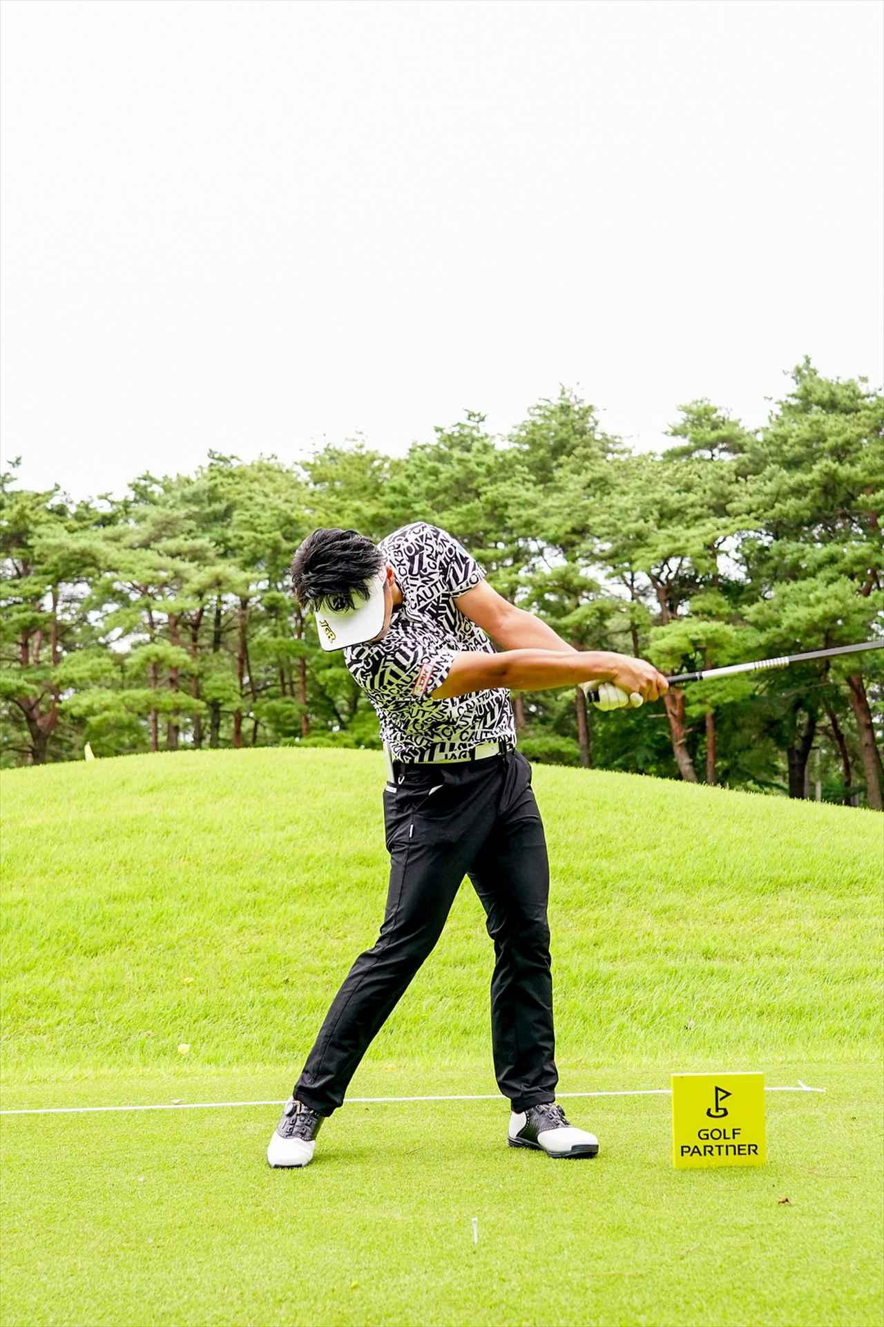 Images : 9番目の画像 - 関藤直煕 ドライバー正面連続写真 - みんなのゴルフダイジェスト