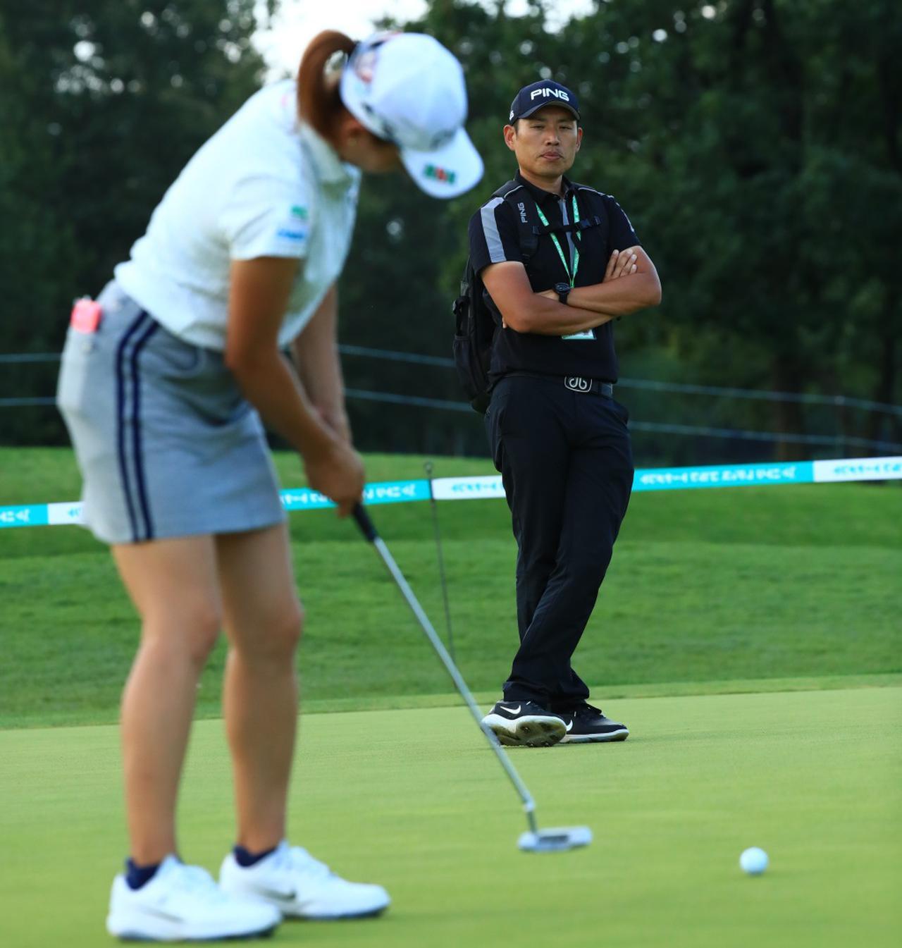 画像: 手取り足取り教えるだけがコーチではなく、一歩引いて見守ることもコーチの大切な役割