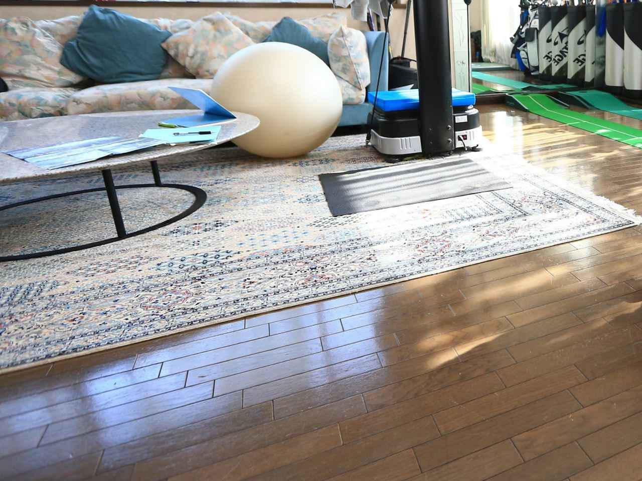 画像: 幼児にとっては、自宅の1~2畳ほどのスペースも十分体を動かせる環境だと吉松氏(写真はイメージ)
