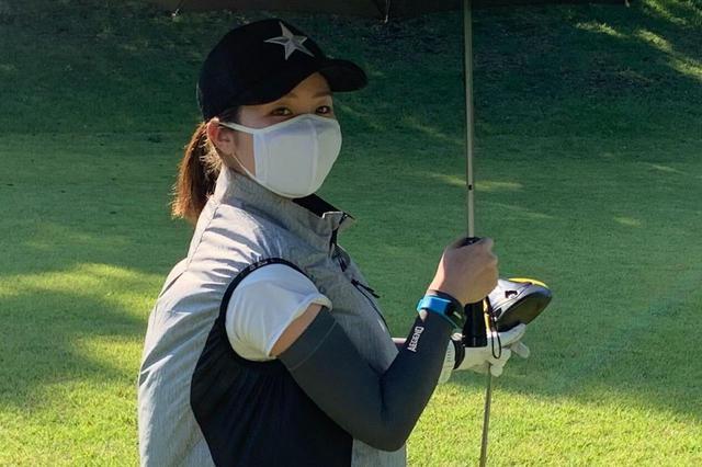画像: 暑さに弱いS子でもプレー中、ずっとつけていても苦しくなかった「夏ゴルフ 冷感マスク」。新型コロナウイルスの感染対策として使用しても熱中症になりにくいかも