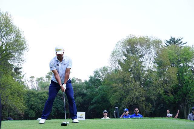 画像: 1番目の画像 - 松山英樹 ドライバー正面連続写真 - みんなのゴルフダイジェスト