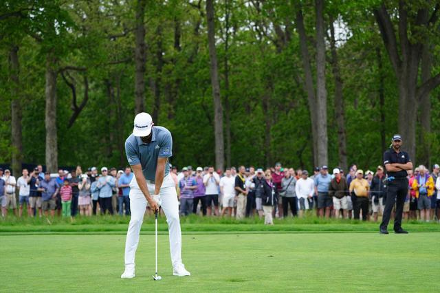 画像: 1番目の画像 - ダスティン・ジョンソン アイアン正面連続写真 - みんなのゴルフダイジェスト