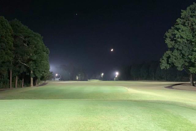 """画像: 夕方プレーできる""""ナイターゴルフ""""。涼しくプレーできますし、S子的におすすめ!"""