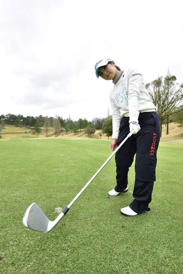 画像: ウチもも「ギュッ」で払い打ち! 菊地絵理香のアイアン術 - みんなのゴルフダイジェスト