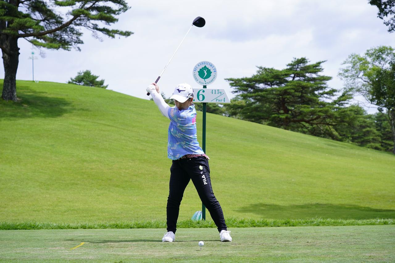 Images : 5番目の画像 - 西郷真央 ドライバー正面ドライバー連続写真 - みんなのゴルフダイジェスト