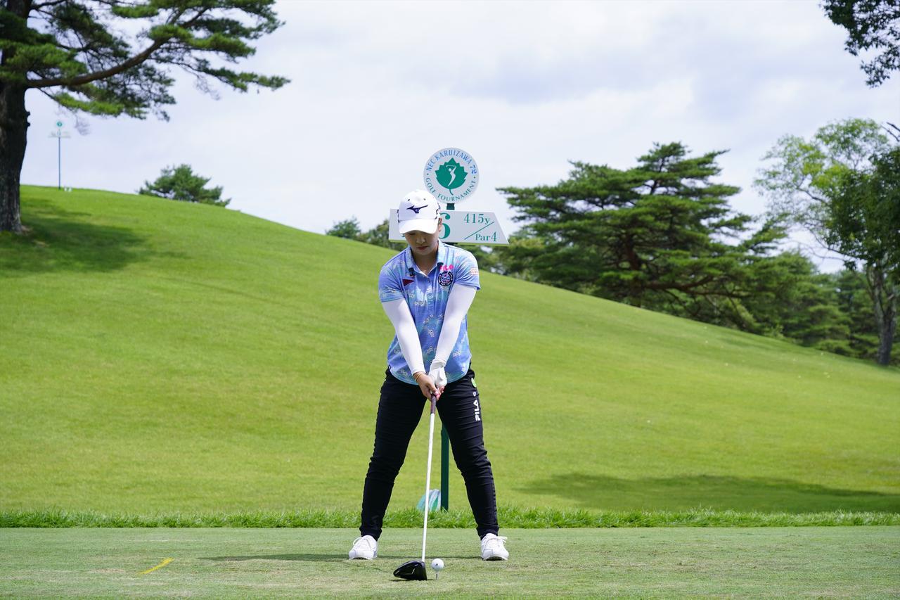 Images : 1番目の画像 - 西郷真央 ドライバー正面ドライバー連続写真 - みんなのゴルフダイジェスト