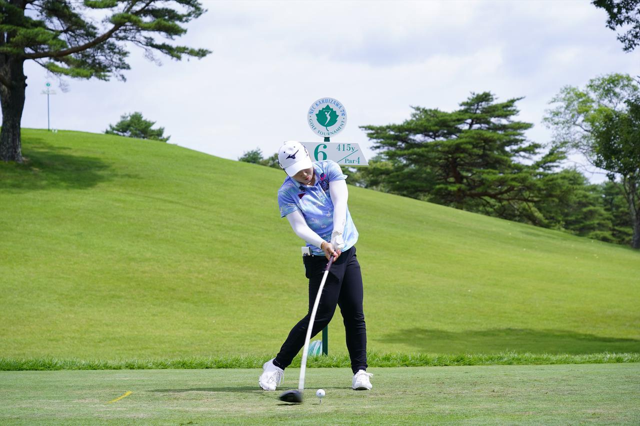 Images : 13番目の画像 - 西郷真央 ドライバー正面ドライバー連続写真 - みんなのゴルフダイジェスト