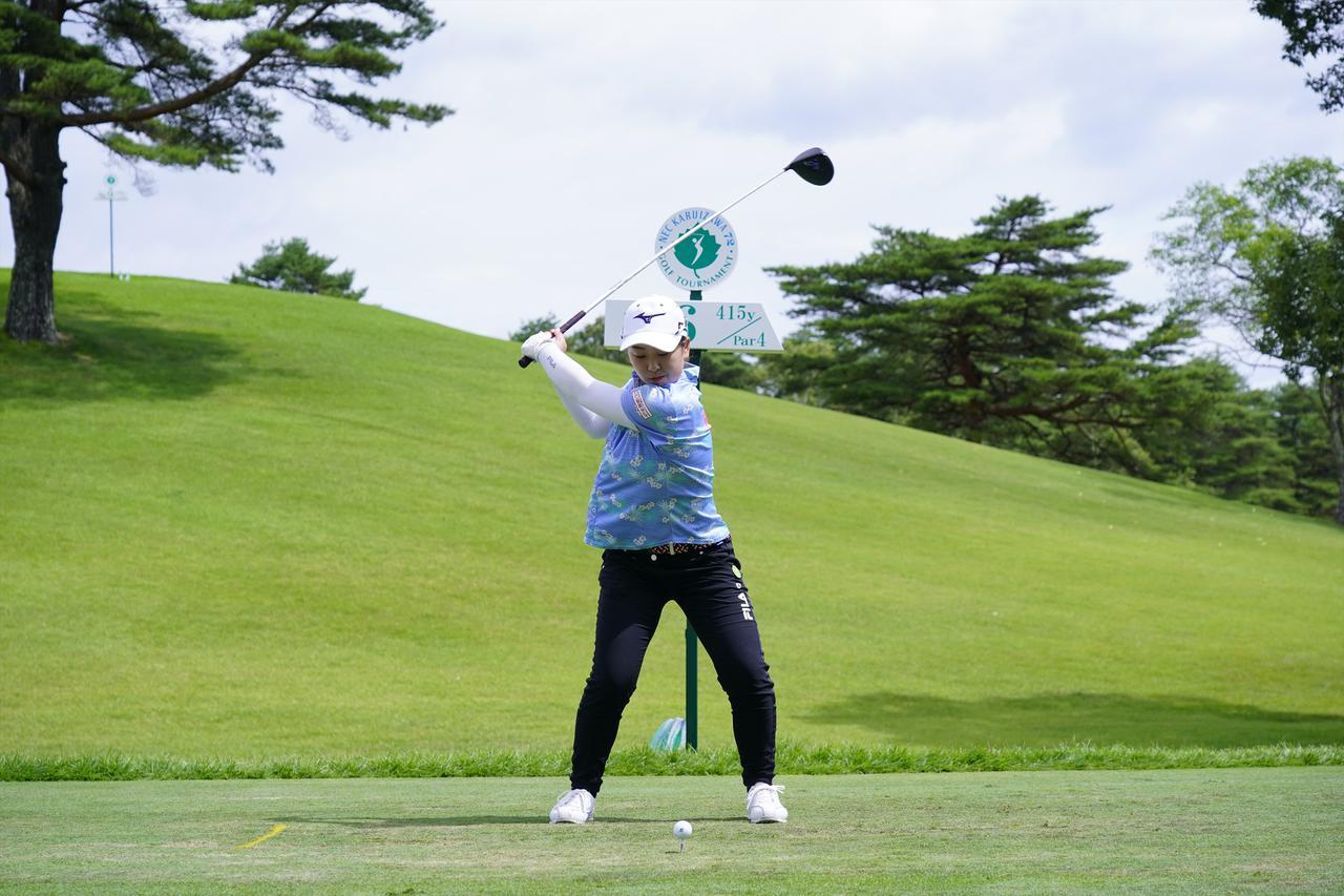 Images : 10番目の画像 - 西郷真央 ドライバー正面ドライバー連続写真 - みんなのゴルフダイジェスト
