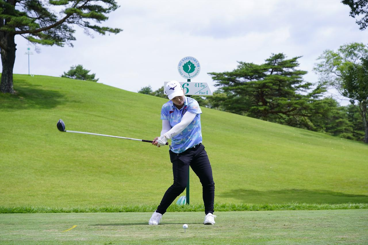 Images : 12番目の画像 - 西郷真央 ドライバー正面ドライバー連続写真 - みんなのゴルフダイジェスト