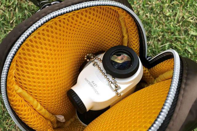 画像: ピンの距離計ケース「ゴルフナビホルダー」は計測器がスッポリと入るほど大きいケース