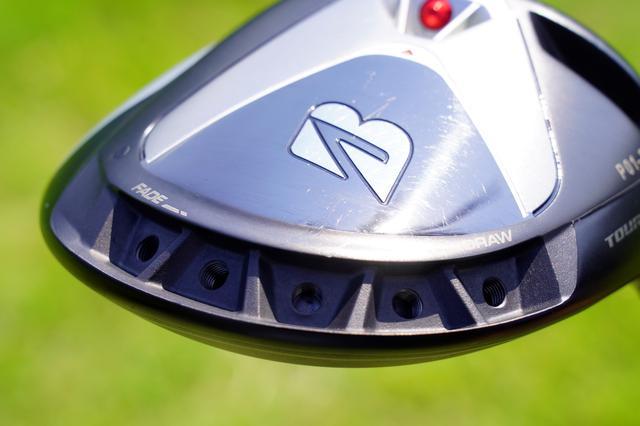 画像: シャープな見た目が心をつかんだ。ドライバー「ブリヂストン ツアーB X」。フェース後方のウェートを外して使用
