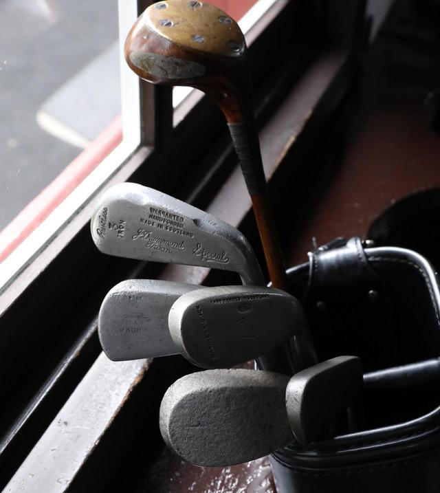 画像: 100年以上前のスペックで作られたクラブでプレーするヒッコリーゴルフ(撮影/平賀元)