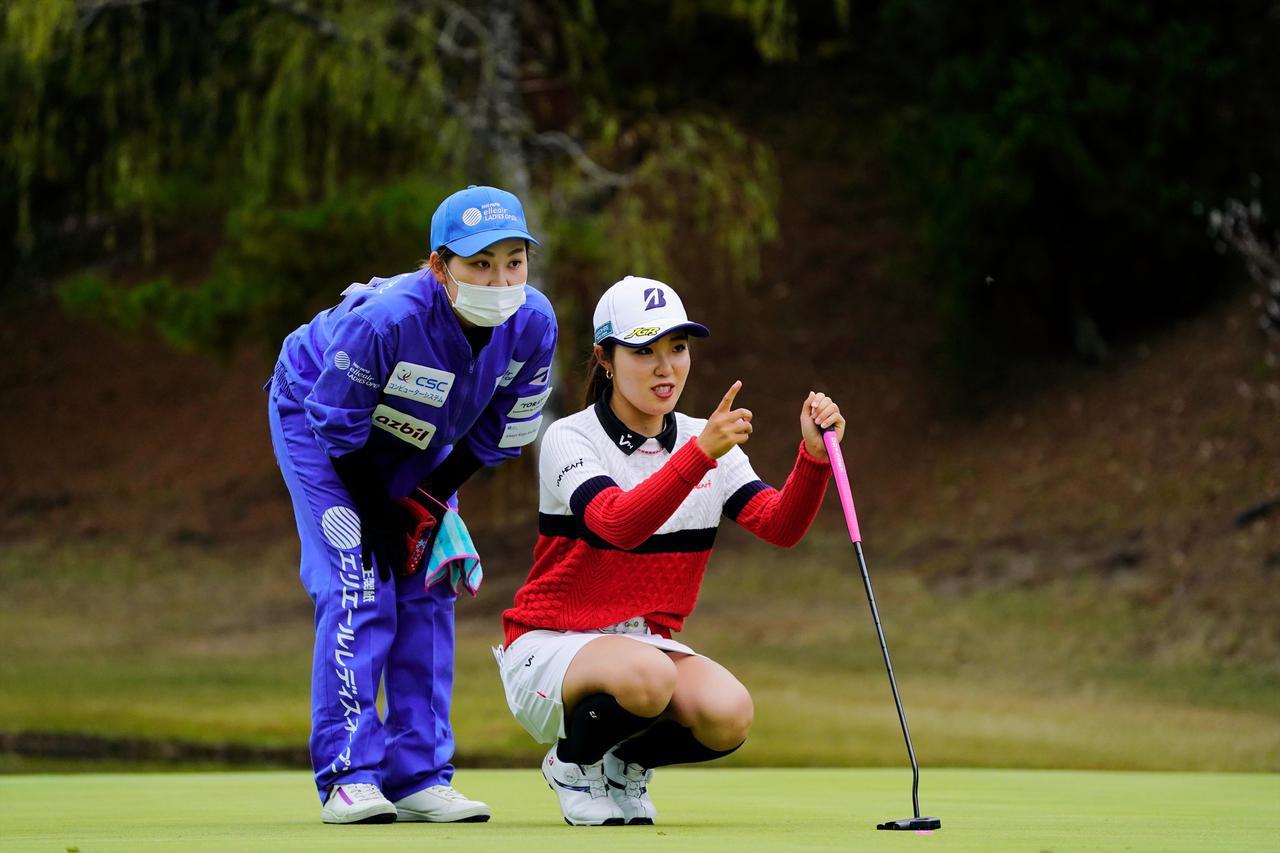 画像: 「とにかく楽しもうと思ってプレーしていました」(古江彩佳)。古江の強さは試合を楽しめるところにある(写真は2020年のエリエールレディス 写真/岡沢裕行)