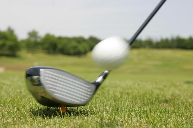 画像: ふるさと納税の返礼品として、ゴルフボールやプレー券、ゴルフクラブなどを用意している自治体も多い