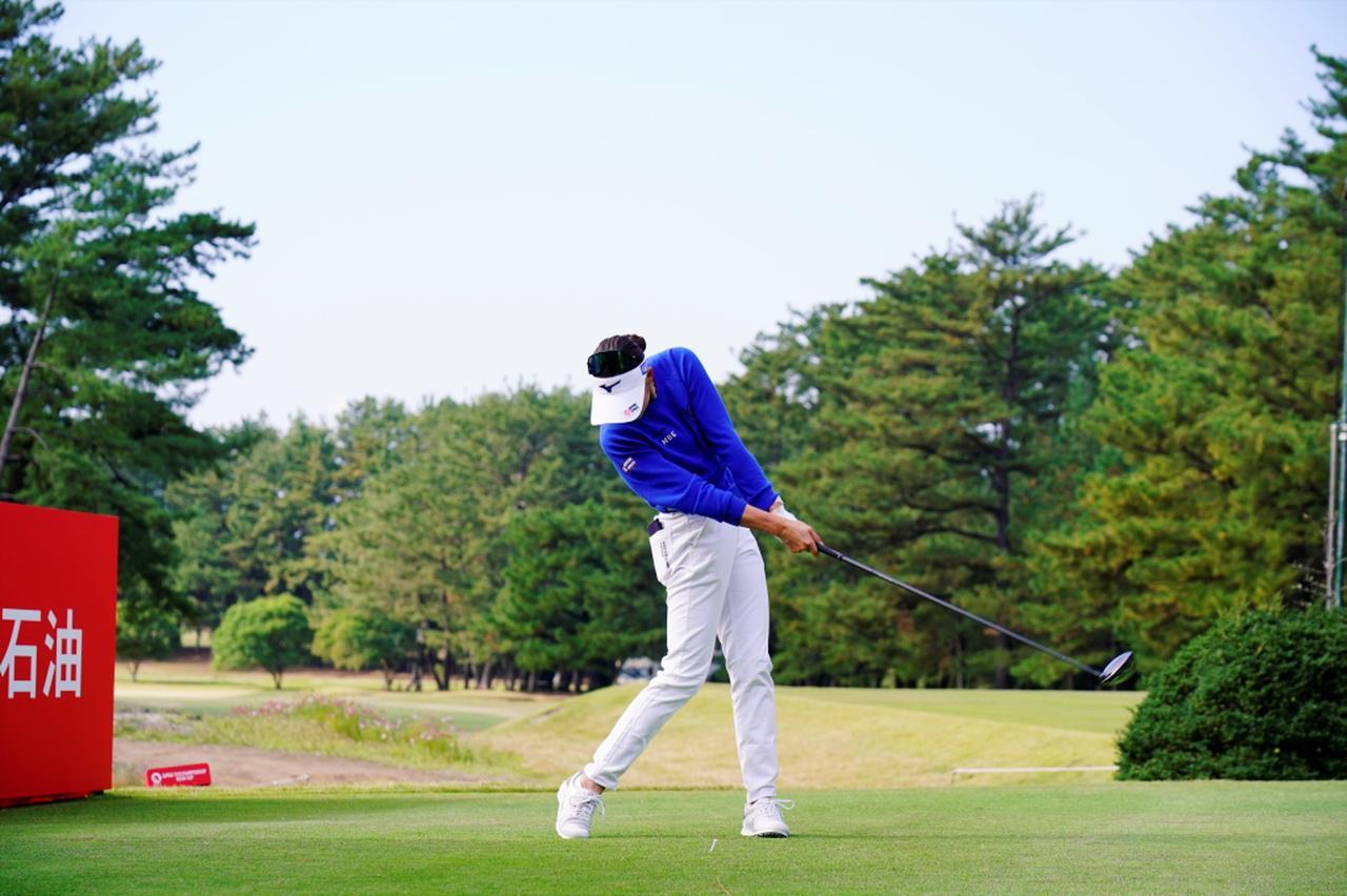 Images : 10番目の画像 - 原英莉花のドライバー連続写真 - みんなのゴルフダイジェスト