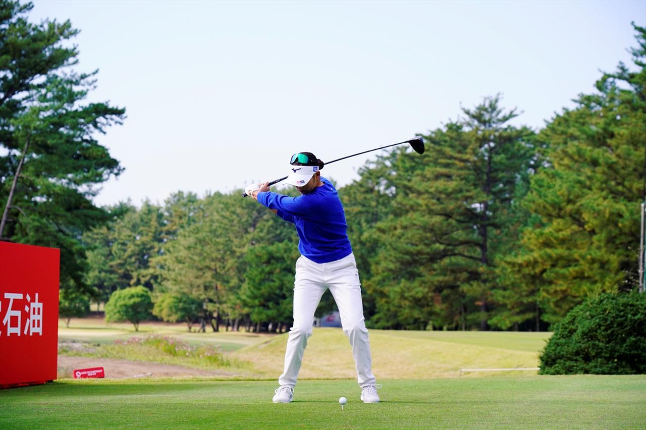 Images : 6番目の画像 - 原英莉花のドライバー連続写真 - みんなのゴルフダイジェスト